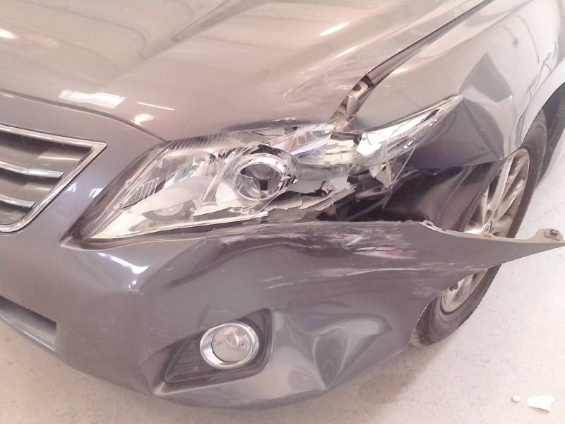 Toyota front bumper before collision repair